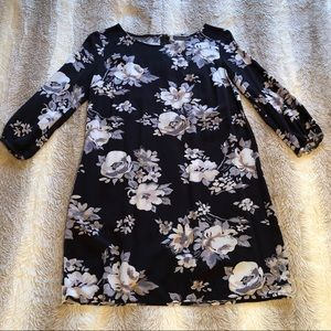 Old Navy | On Trend Dark Floral Mini Shift Dress S